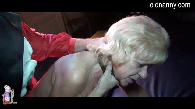 Video de alta calidad con un bebé apasionado, ella abrió las piernas, dejándose lamer su coño rosado y mejores actrices porno españolas afeitado, y luego trabajó con la boca y se subió a una polla fuerte.