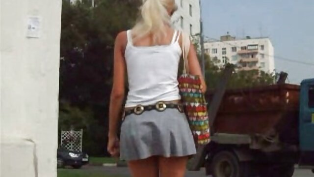 Sexo matutino videos pornos traducidos en español con una hermosa rubia tetona